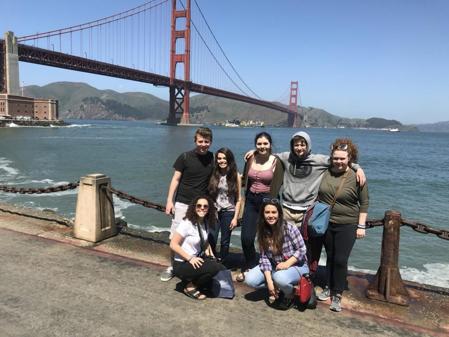 CHS+Journalism+students+pause+on+their+walk+to+the+Golden+gate+bridge.