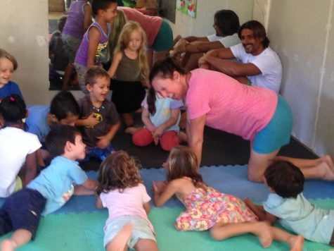 Laura Vanderberg teaches yoga to children in Costa Rica.
